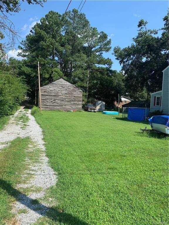 000 College Avenue, Blackstone, VA 23824 (MLS #2126176) :: Village Concepts Realty Group