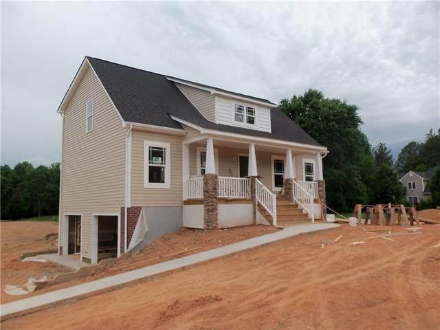 6123 Autumn Bluff Road, Powhatan, VA 23139 (MLS #2131979) :: Village Concepts Realty Group