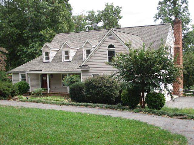 20143 Oak River Court, South Chesterfield, VA 23803 (MLS #2132344) :: The Redux Group