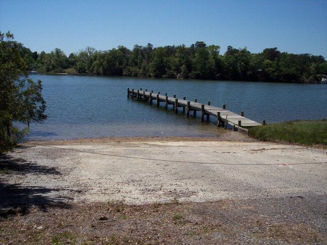 00 Robbins Point Avenue, Deltaville, VA 23043 (#106948) :: Abbitt Realty Co.