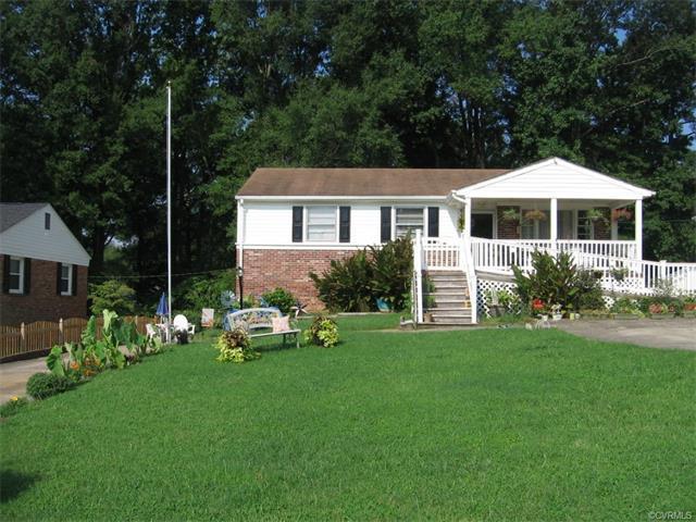 7402 Montrose Avenue, Henrico, VA 23227 (MLS #1727855) :: The RVA Group Realty