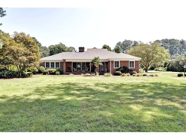 300 Riverside Drive, Newport News, VA 23606 (MLS #1734292) :: Chantel Ray Real Estate