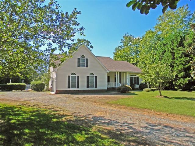 200 Cedar Pointe Drive, Urbanna, VA 23175 (MLS #1734755) :: Chantel Ray Real Estate