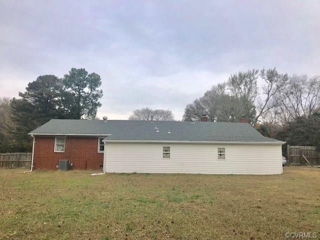 6111 Hawkes Lane, Henrico, VA 23223 (#1740134) :: Abbitt Realty Co.