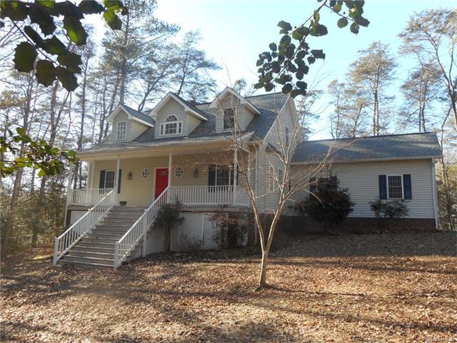 698 Wilton Creek Road, Hartfield, VA 23071 (#1741766) :: Abbitt Realty Co.