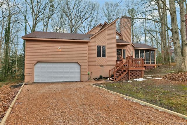 3203 Barnes Spring Court, Chesterfield, VA 23112 (MLS #1800942) :: RE/MAX Action Real Estate
