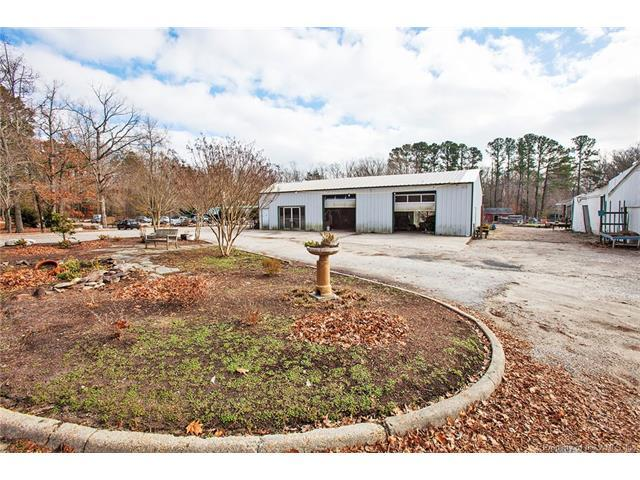 1826 Jamestown Road, Williamsburg, VA 23185 (MLS #1801544) :: The Ryan Sanford Team