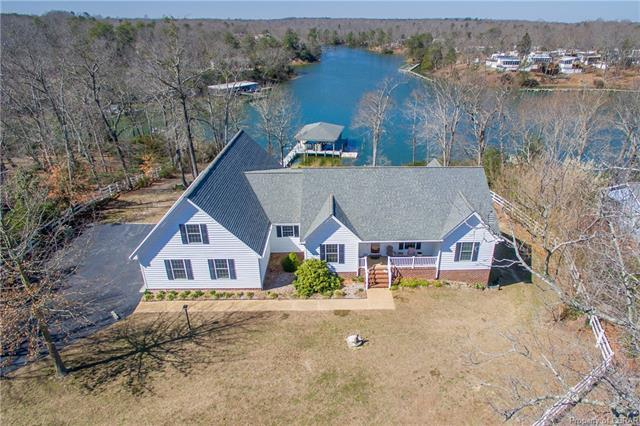 585 Belle Aire Drive, Hardyville, VA 23070 (#1805898) :: Resh Realty Group