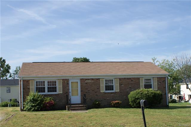 3912 Gloucester Drive, Hopewell, VA 23860 (MLS #1807831) :: Chantel Ray Real Estate