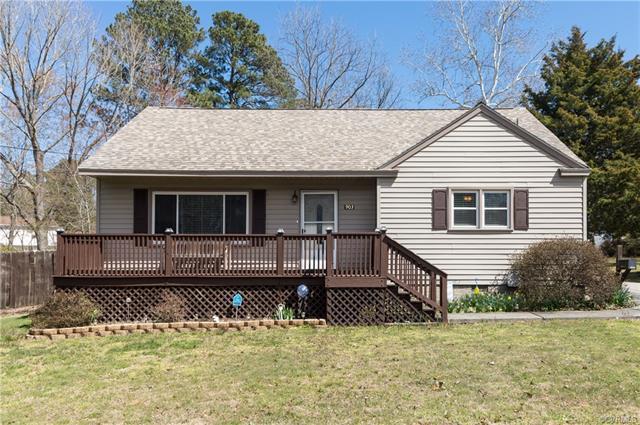 903 Jackson Drive, Williamsburg, VA 23185 (MLS #1808776) :: Chantel Ray Real Estate