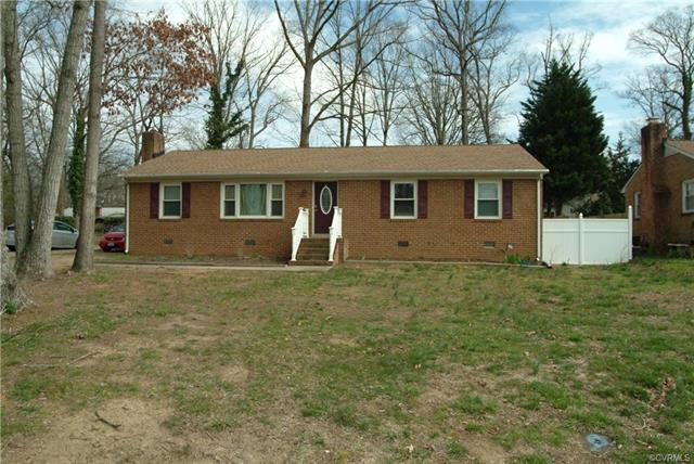 1579 Robindale Road, North Chesterfield, VA 23235 (#1809443) :: Resh Realty Group