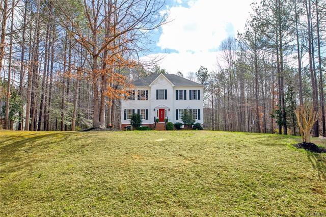 11931 Dunvegan Court, Chesterfield, VA 23838 (MLS #1810351) :: Chantel Ray Real Estate