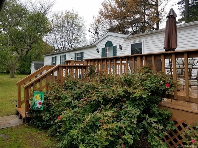 3200 Dog Town Lane, Hayes, VA 23072 (#1811011) :: Abbitt Realty Co.