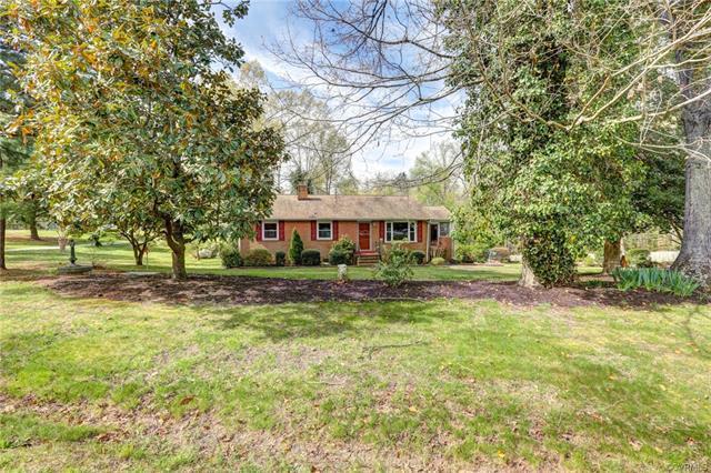 11271 Rocky Ridge Road, Glen Allen, VA 23059 (MLS #1814396) :: Small & Associates