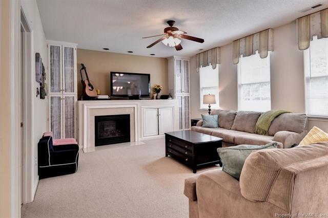 816 Holbrook Drive, Newport News, VA 23602 (MLS #1818571) :: Chantel Ray Real Estate