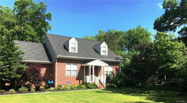107 S James Street, Ashland, VA 23005 (MLS #1819176) :: Small & Associates