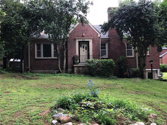 114 Chesterfield Avenue, Colonial Heights, VA 23834 (MLS #1819228) :: The Ryan Sanford Team