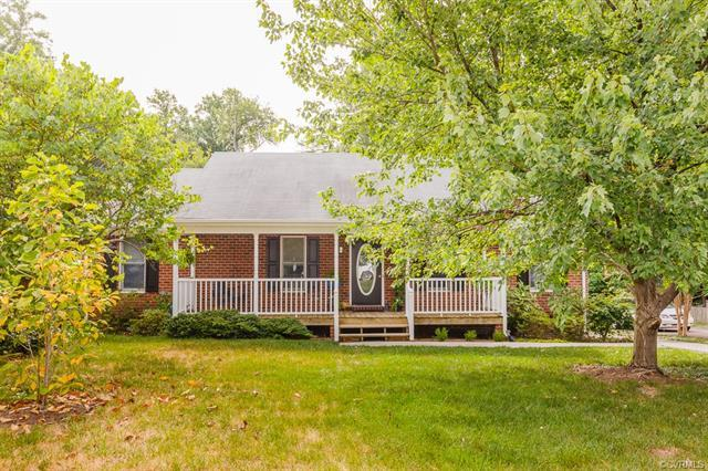 9062 Fayemont Drive, Mechanicsville, VA 23116 (MLS #1826351) :: EXIT First Realty
