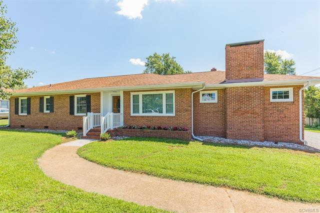7232 Stonewall Drive, Mechanicsville, VA 23111 (MLS #1827513) :: The Ryan Sanford Team