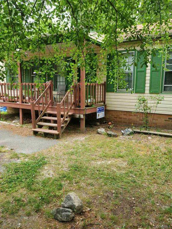 6806 Fairpines Road, Chesterfield, VA 23832 (MLS #2113342) :: The Redux Group