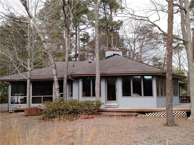 156 Wooldridge Cove Drive, Deltaville, VA 23043 (#1809317) :: Abbitt Realty Co.