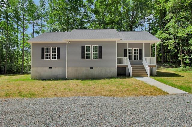 2756 Trenholm Road, Powhatan, VA 23139 (MLS #1810841) :: Chantel Ray Real Estate