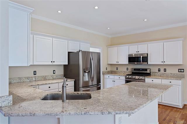 12412 Chadsworth Place, Henrico, VA 23059 (MLS #1816950) :: The RVA Group Realty