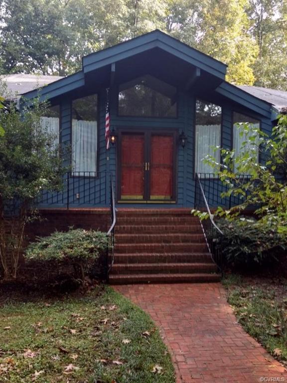 14421 Fox Knoll Drive, South Chesterfield, VA 23834 (MLS #1824836) :: Chantel Ray Real Estate