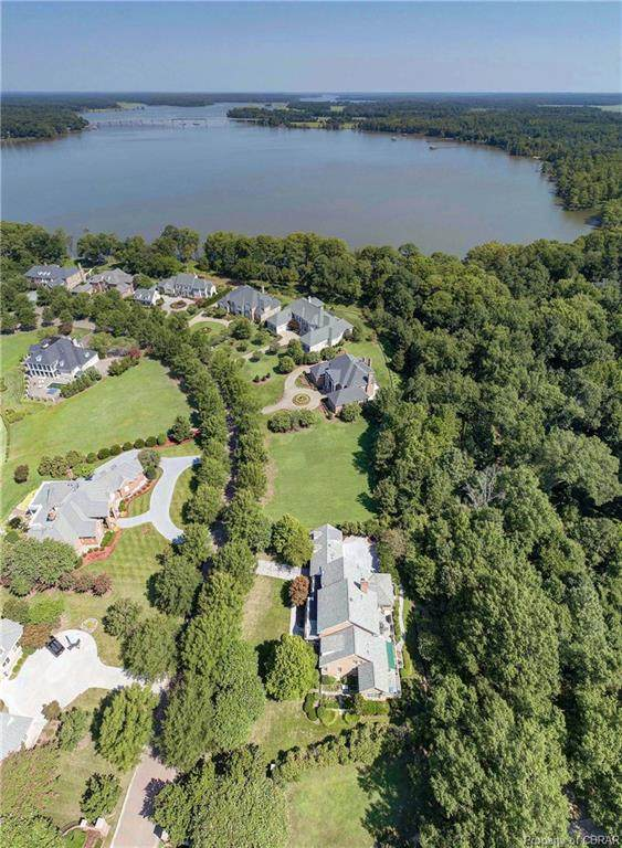 1210 Two Rivers Point, Williamsburg, VA 23185 (MLS #1926146) :: The Redux Group