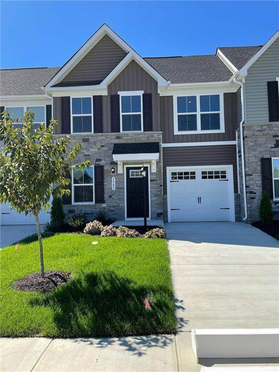 5905 Austin Woods Drive 2D, North Chesterfield, VA 23234 (MLS #2118922) :: Village Concepts Realty Group