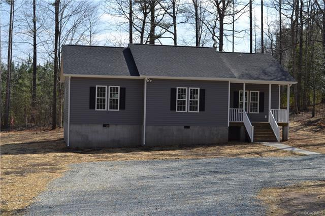 4558 Powhatan Lakes Road, Powhatan, VA 23139 (MLS #1804992) :: Chantel Ray Real Estate