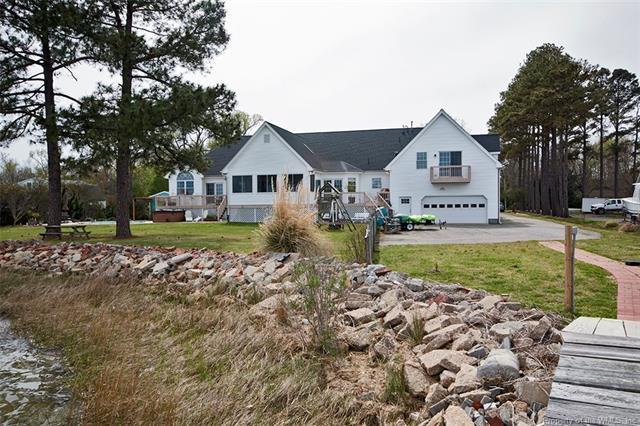 1206 Dandy Loop Road, Yorktown, VA 23692 (MLS #1727498) :: Chantel Ray Real Estate