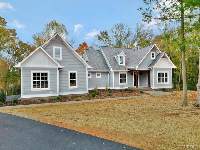 3374 Manor Oaks Drive, Powhatan, VA 23139 (#1716086) :: Abbitt Realty Co.