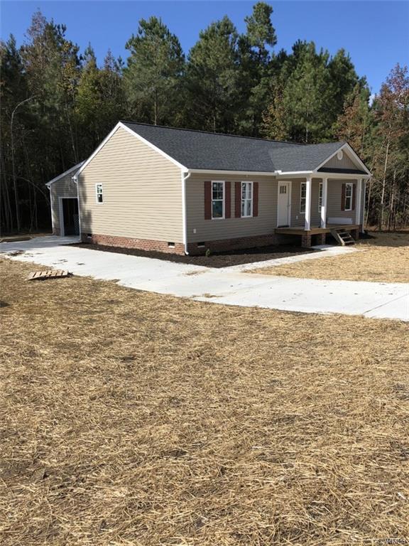 21136 Baileys Grove Drive, South Chesterfield, VA 23803 (#1824144) :: Abbitt Realty Co.