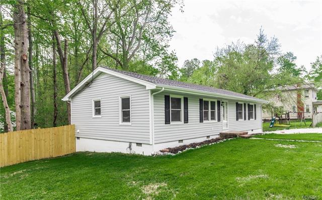 1405 Lee Lane, Hopewell, VA 23860 (MLS #1814868) :: Explore Realty Group