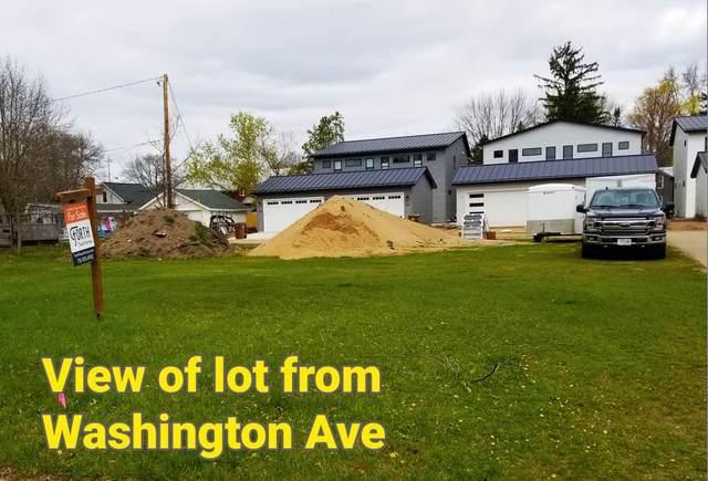 516 Washington Avenue, Stevens Point, WI 54481 (MLS #22101740) :: EXIT Midstate Realty