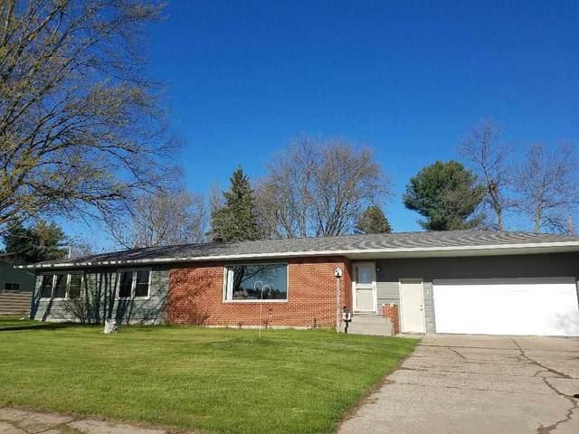 1613 N Peach Avenue, Marshfield, WI 54449 (MLS #22102118) :: EXIT Midstate Realty