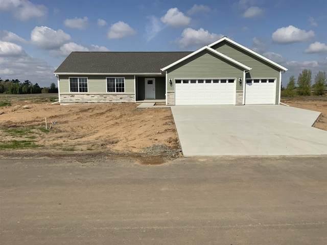 2265 Lensmire Lane, Waupaca, WI 54981 (MLS #22102568) :: EXIT Midstate Realty