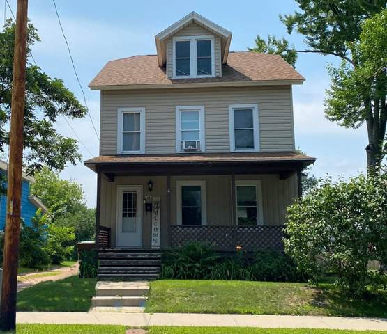 1908 Water Street, Stevens Point, WI 54481 (MLS #22104009) :: EXIT Midstate Realty