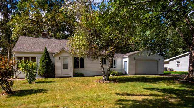 714 S Lincoln Avenue, Marshfield, WI 54449 (MLS #22105399) :: EXIT Midstate Realty