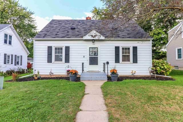 706 S Apple Avenue, Marshfield, WI 54449 (MLS #22105425) :: EXIT Midstate Realty