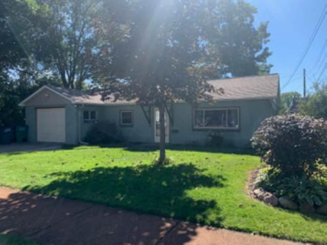 830 Avon Street, Wisconsin Rapids, WI 54494 (MLS #22105428) :: EXIT Midstate Realty