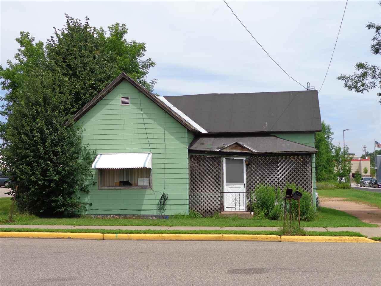 1612 Academy Avenue - Photo 1