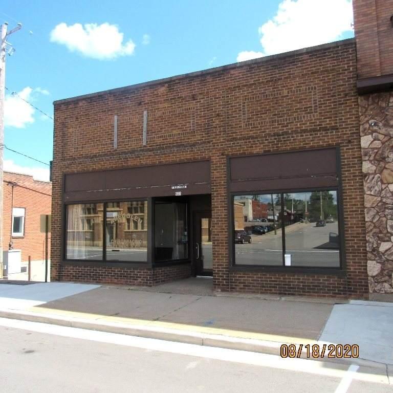 925 Main Street - Photo 1
