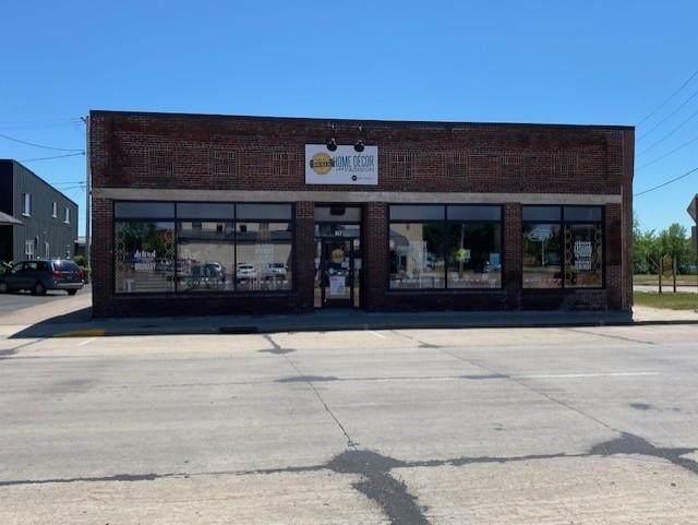 817 Clark Street, Stevens Point, WI 54481 (MLS #22103227) :: EXIT Midstate Realty