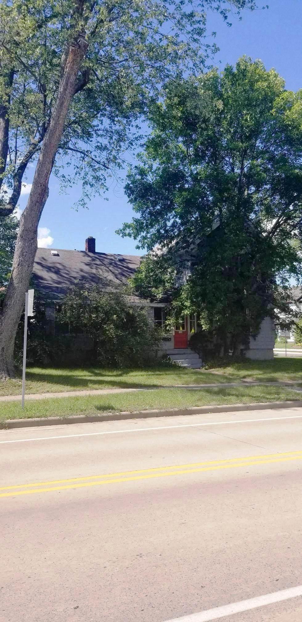 908 Michigan Avenue - Photo 1