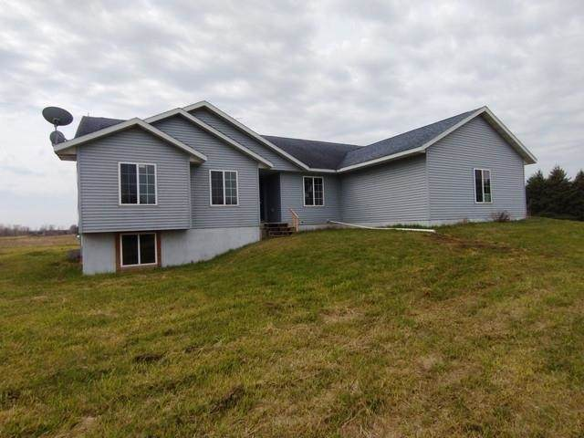 105313 Hoff Road, Marshfield, WI 54449 (MLS #22005440) :: EXIT Midstate Realty
