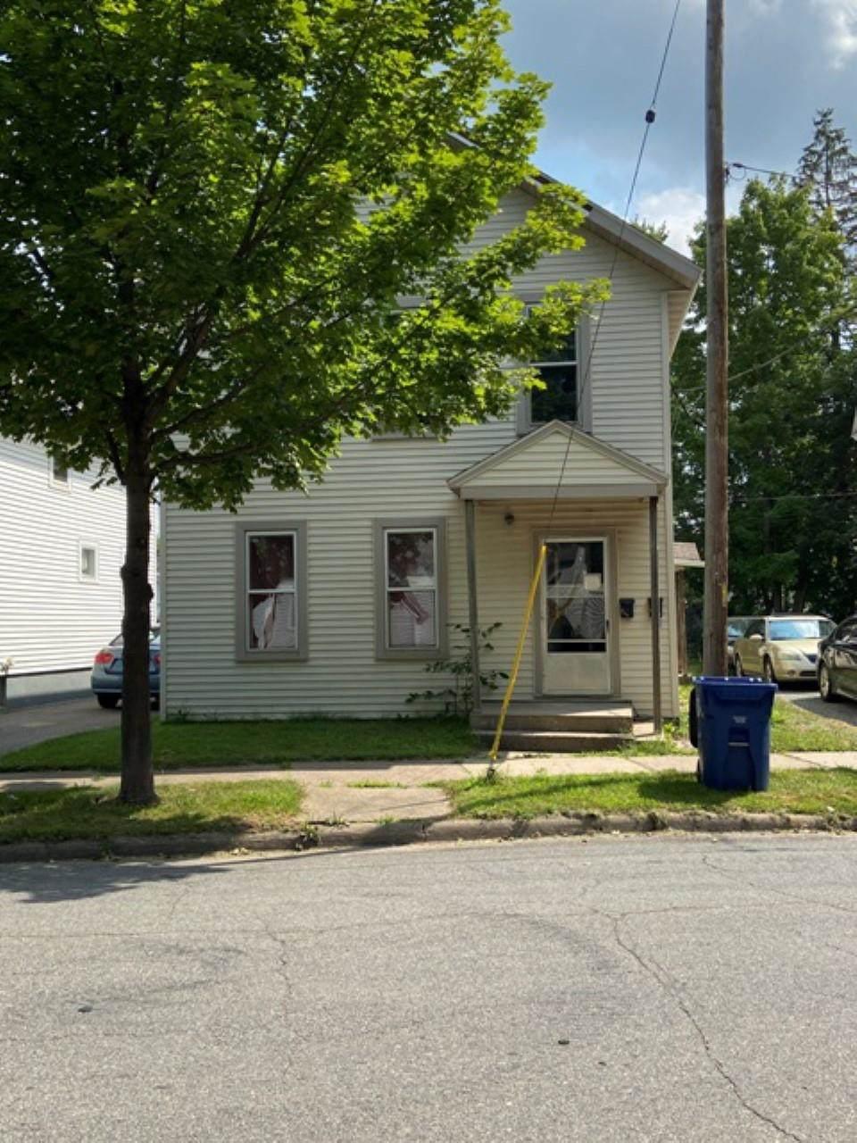 211 Seymour Street - Photo 1