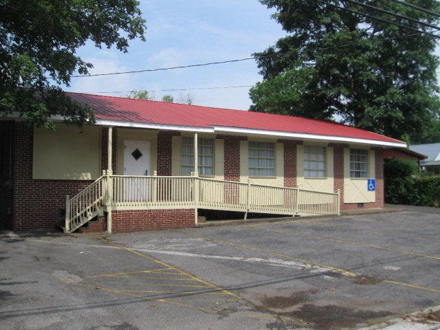 910 Brown Street, DALTON, GA 30720 (MLS #110155) :: The Mark Hite Team