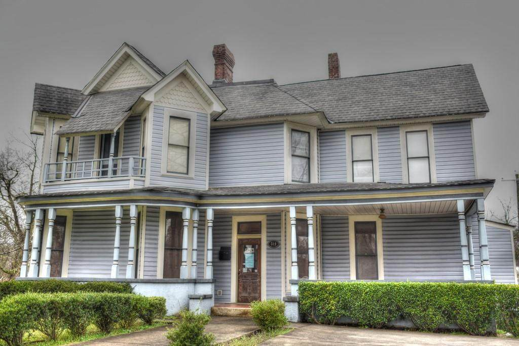 319 Selvidge Street - Photo 1
